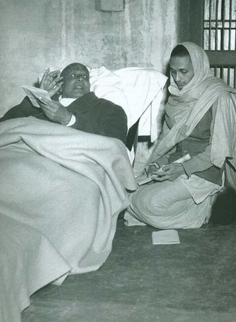 sivananda and satyananda talking